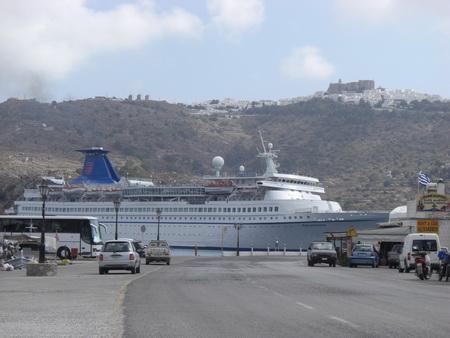 075-Kreuzfahrtschiff