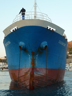 Tanker fürs Kraftwerk in Patmos