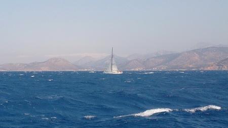 überholte Segelyacht