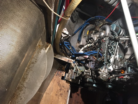 Motorraum und Zylinderfolge