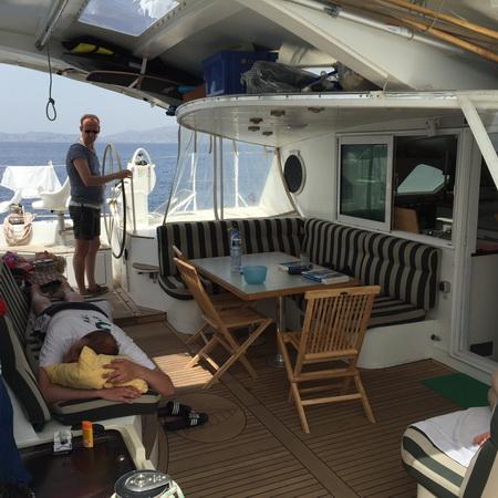 An Bord beim Segeln