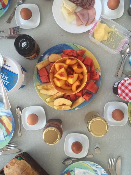 Frühstückstiscch auf VAVA-U