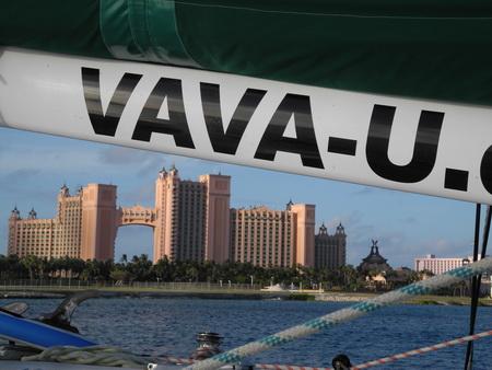 VAVA-U in Nassau vor Anker