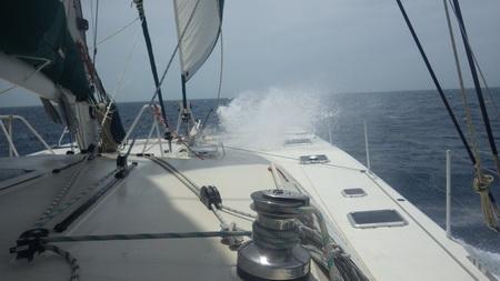 Segeln mit viel wind in der Grand Bahama Bank