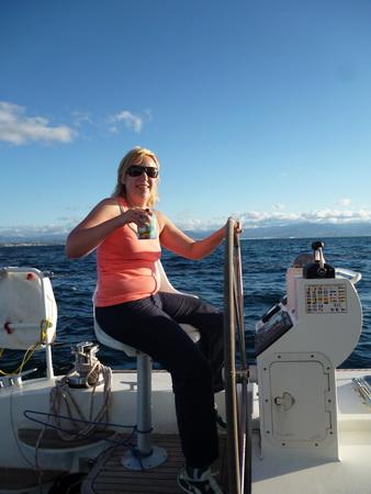 Blogautor Jessica beim Segeln