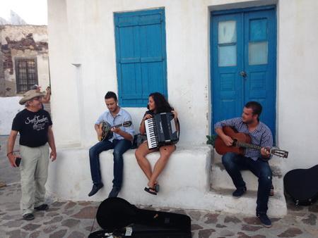 Werner mit Musikern