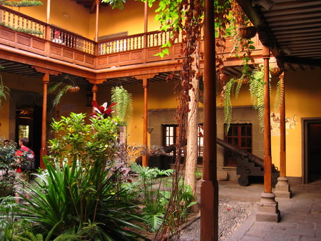 Columbus Haus Innenhof
