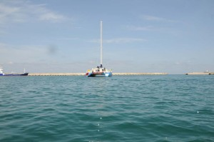 blu:kat verlässt die Marina in Rethymno