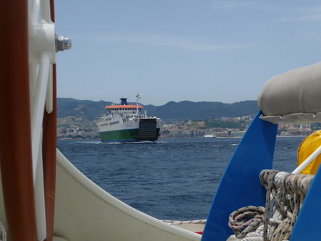 Fähre-Messina