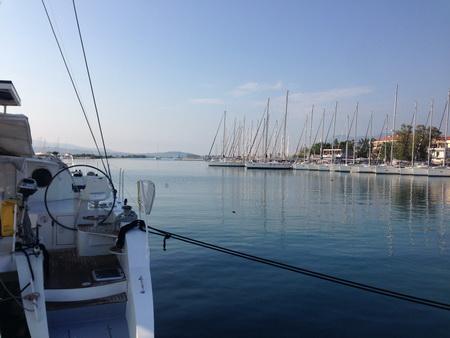 Törnende Lefkas Stadt-Hafen